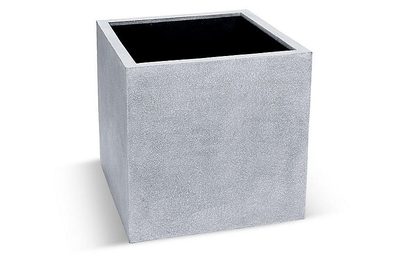 Cajon Outdoor Planter, Gray