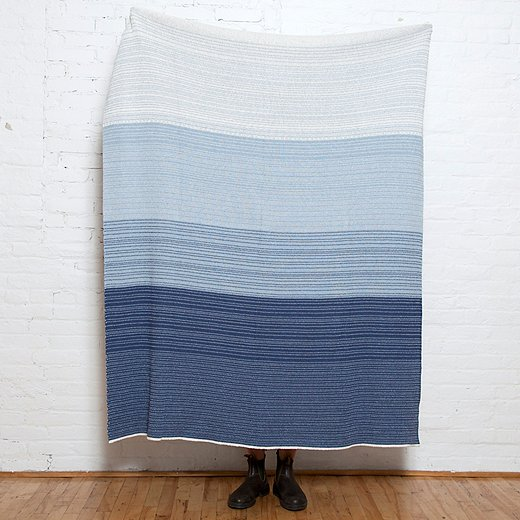 A number of In2green's throws arecrafted primarily of threads madefrom recycled T-shirts and other cotton items.
