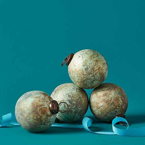 Organic Globe Ornament, Green