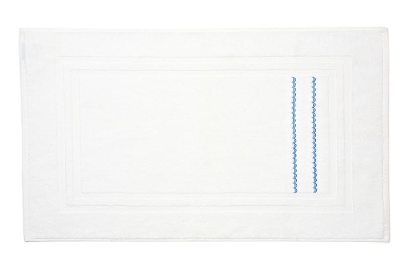 Double Scallop Bath Mat, White/Blue