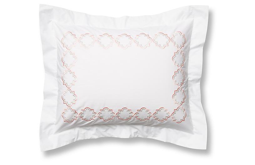 Quatrefoil Sham, White/Pink