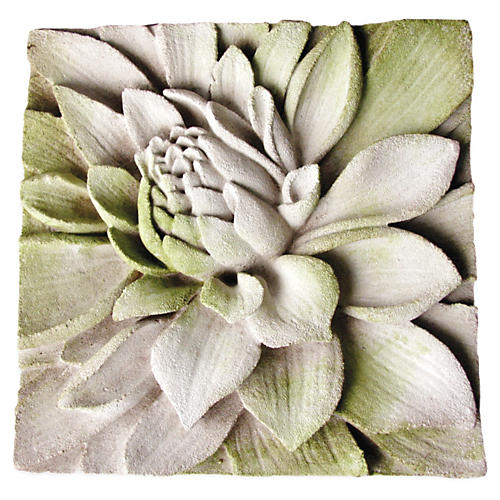 "14"" Dahlia Plaque, White Moss"
