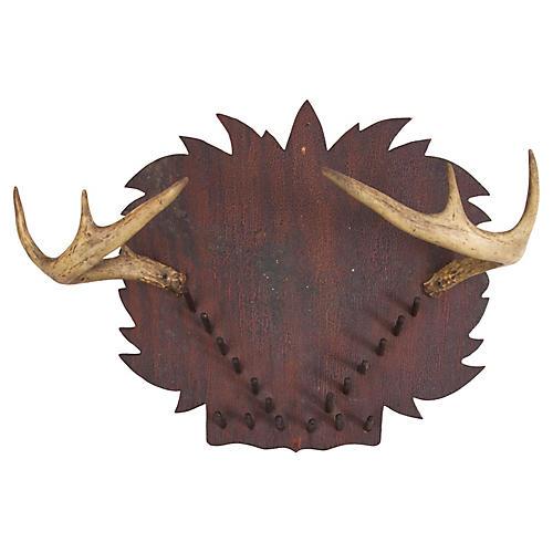 Antlers w/ Leaf & Peg Shield
