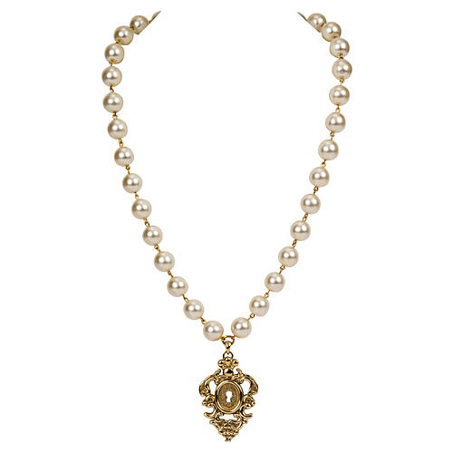 Rochas Faux-Pearl Pendant Necklace