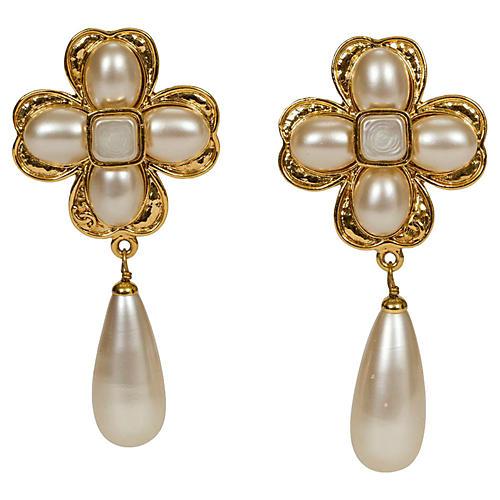 Chanel Clover Flower Pearl Earrings fb775e98e927